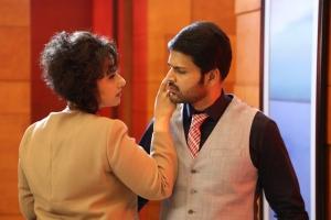 Shaam, Manisha Koirala in Oru Melliya Kodu Movie Images