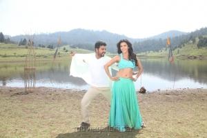 Vimal, Priya Anand in Oru Oorla Rendu Raja Latest Stills