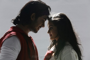 Anu Mohan, Nandagi in Oru Vaanavil Pola Tamil Movie Stills
