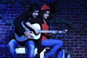 Anu Mohan, Manochitra in Oru Vaanavil Pola Tamil Movie Stills