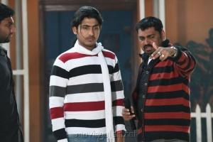 Oru Vaanavil Pola Tamil Movie Stills