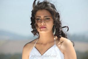 Actress Manochitra in Oru Vaanavil Pola Tamil Movie Stills