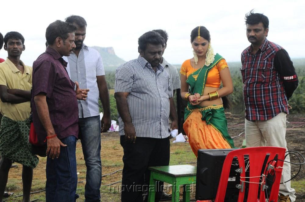 Picture 347171   Oruvar Meethu Iruvar Sainthu Movie ...Oruvar Meethu Iruvar Sainthu Poster