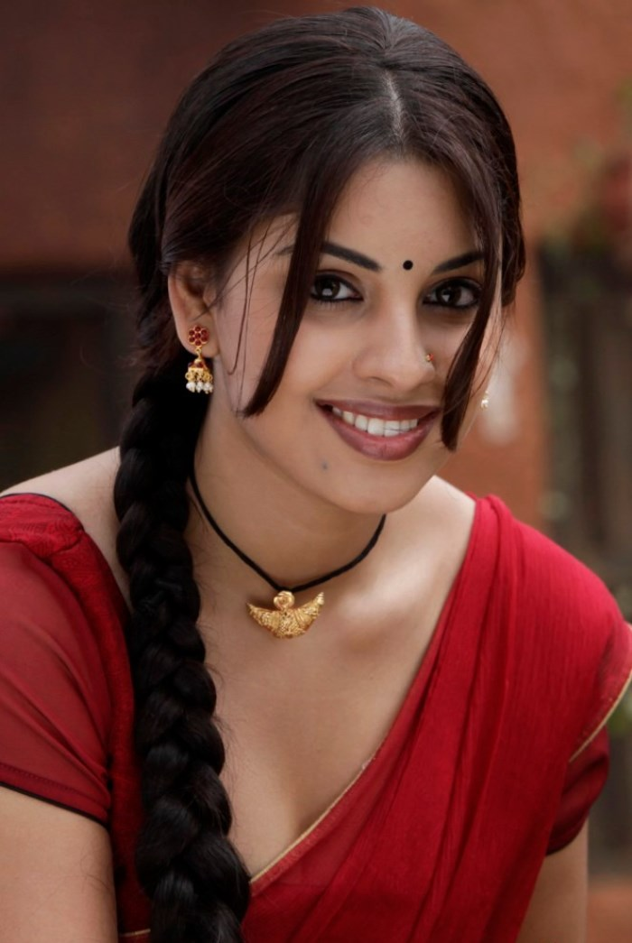 Richa Gangopadhyay Hot In Red Saree Picture 431020 osthi richa ...