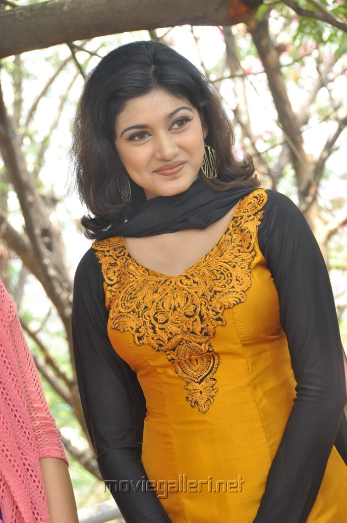 oviya helen 2015oviya helen instagram, oviya helen wiki, oviya helen fb, oviya helen movies, oviya helen biography, oviya helen upcoming movies, oviya helen saree, oviya helen 2015, oviya helen actress biography