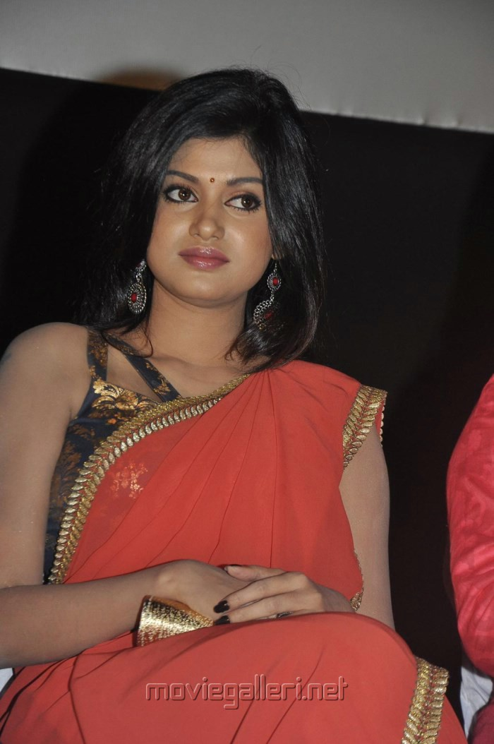 Oviya Red Saree Hot Photos @ Madha Yaanai Koottam Audio Release
