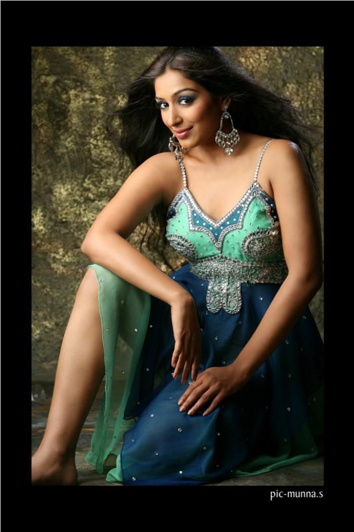 padmapriya hot in surya film awards - photo #23