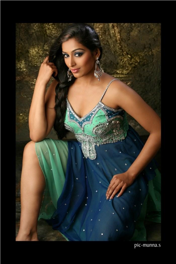 Tamil Actress Padmapriya Janakiraman Photoshoot Pics