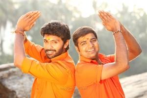 Vikram Prabhu, Sathish in Pakka Movie New Pics HD