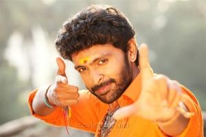 Hero Vikram Prabhu in Pakka Movie Stills