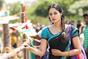 Heroine Bindu Madhavi in Pakka Movie Stills