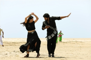 Nikki Galrani, Vikram Prabhu in Pakka Movie Stills