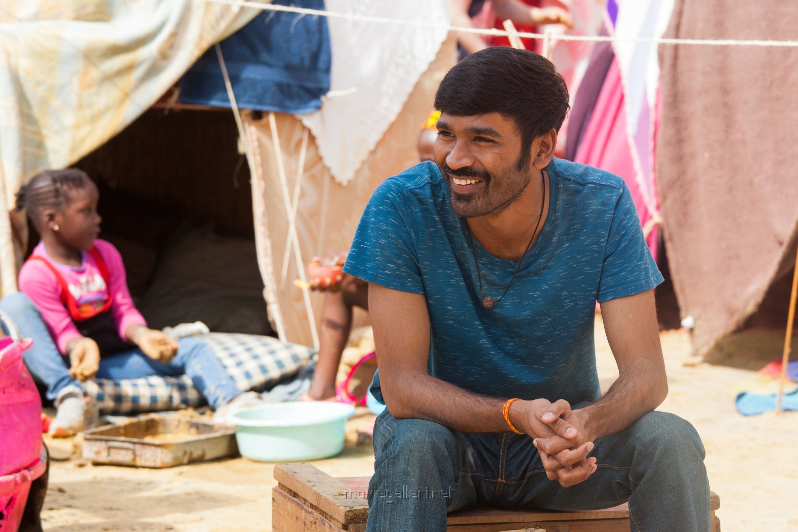 Hero Dhanush Pakkiri Movie Stills HD