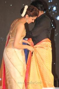 Deepika, SRK @ Palam Silks Chennai Express Meena Hunt Grand Finale Photos