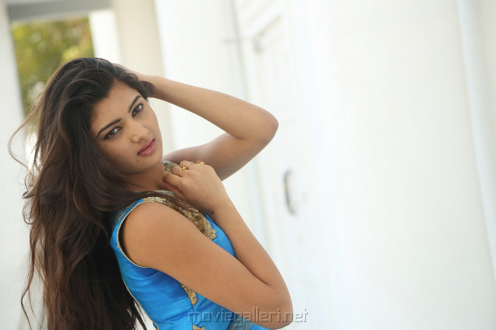 Actress Pallavi Naidu Wallpapers @ Inkenti Nuvve Cheppu Promotions