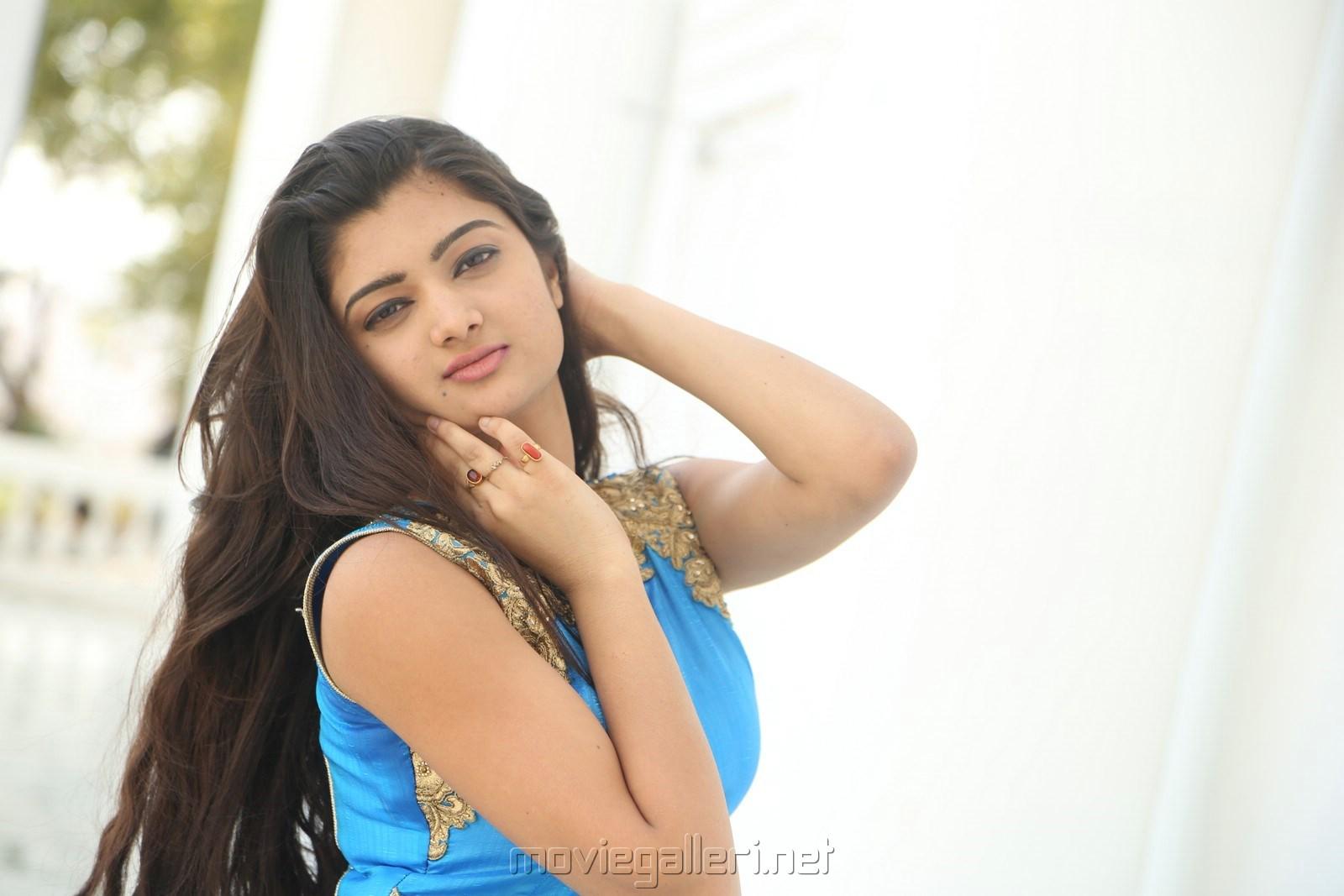 Telugu Actress Pallavi Naidu Wallpapers