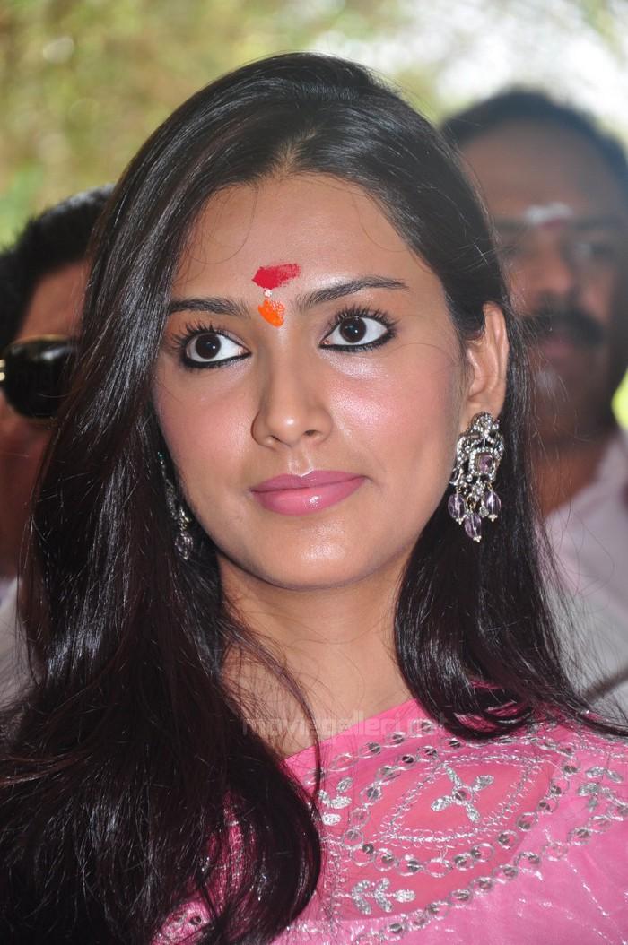 Actress Pallavi Facebook Actress Pallavi Subhash