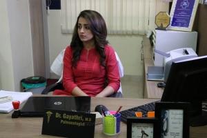 Actress Trisha Krishnan in Paramapadham Vilayattu Movie Stills HD