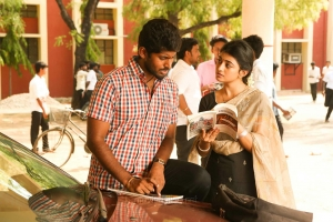 Kathir, Anandhi in Pariyerum Perumal Movie Stills HD