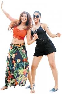 Sanchita Shetty, Regina @ Party Movie Working Stills
