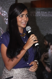 Tamil Actress Parvathi Menon Stills @ Mariyaan Press Meet