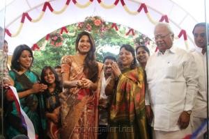 Parvathy Omanakuttan launches Sri Palam Silk Sarees