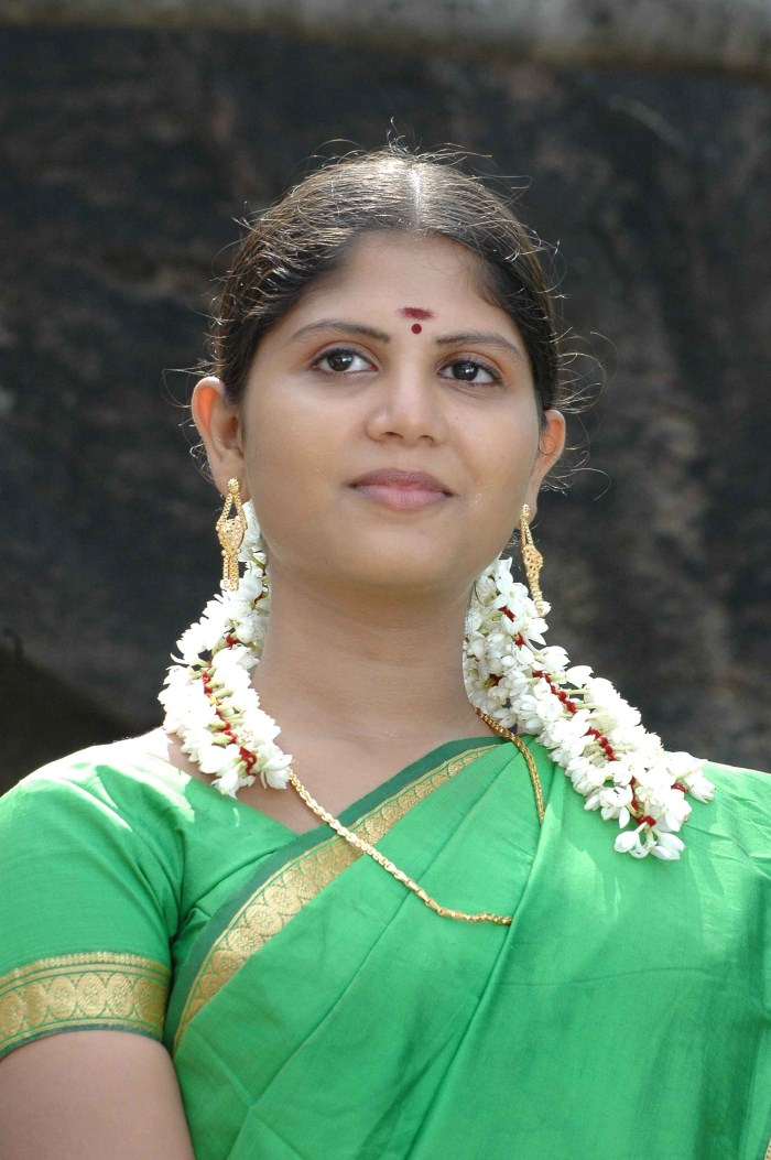 aarambam tamil movie english subtitles free download