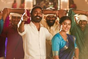 Dhanush, Sneha in Pattas Movie HD Images