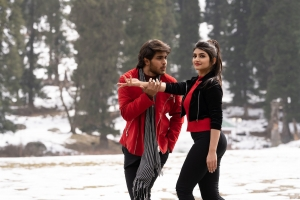 Roshan Meka, Sree Leela in Pelli Sandadi Movie Images HD