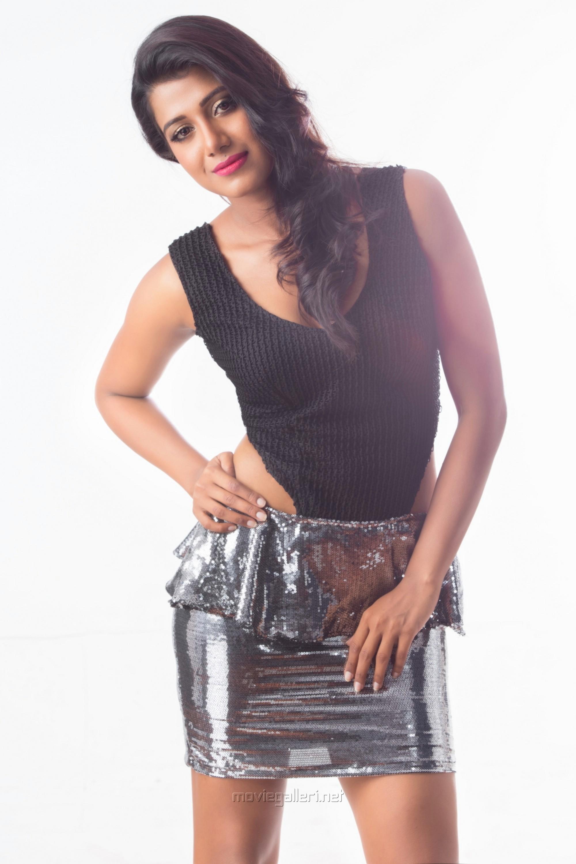 Perazhagi ISO Heroine Shilpa Manjunath Photoshoot Stills HD