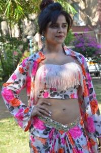 Actress Pia Bajpai Hot Photos @ Abhiyum Anuvum Press Meet