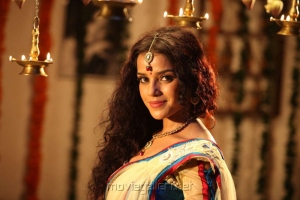 Koottam Movie Actress Piaa Bajpai Latest Hot Pics