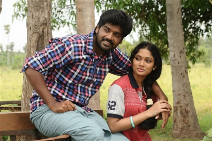 Inigo Prabhakaran, Sri Priyanka in Pichuva Kaththi Movie Stills