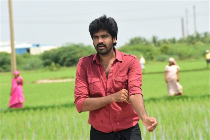 Actor Inigo Prabhakaran in Pichuva Kaththi Movie Stills