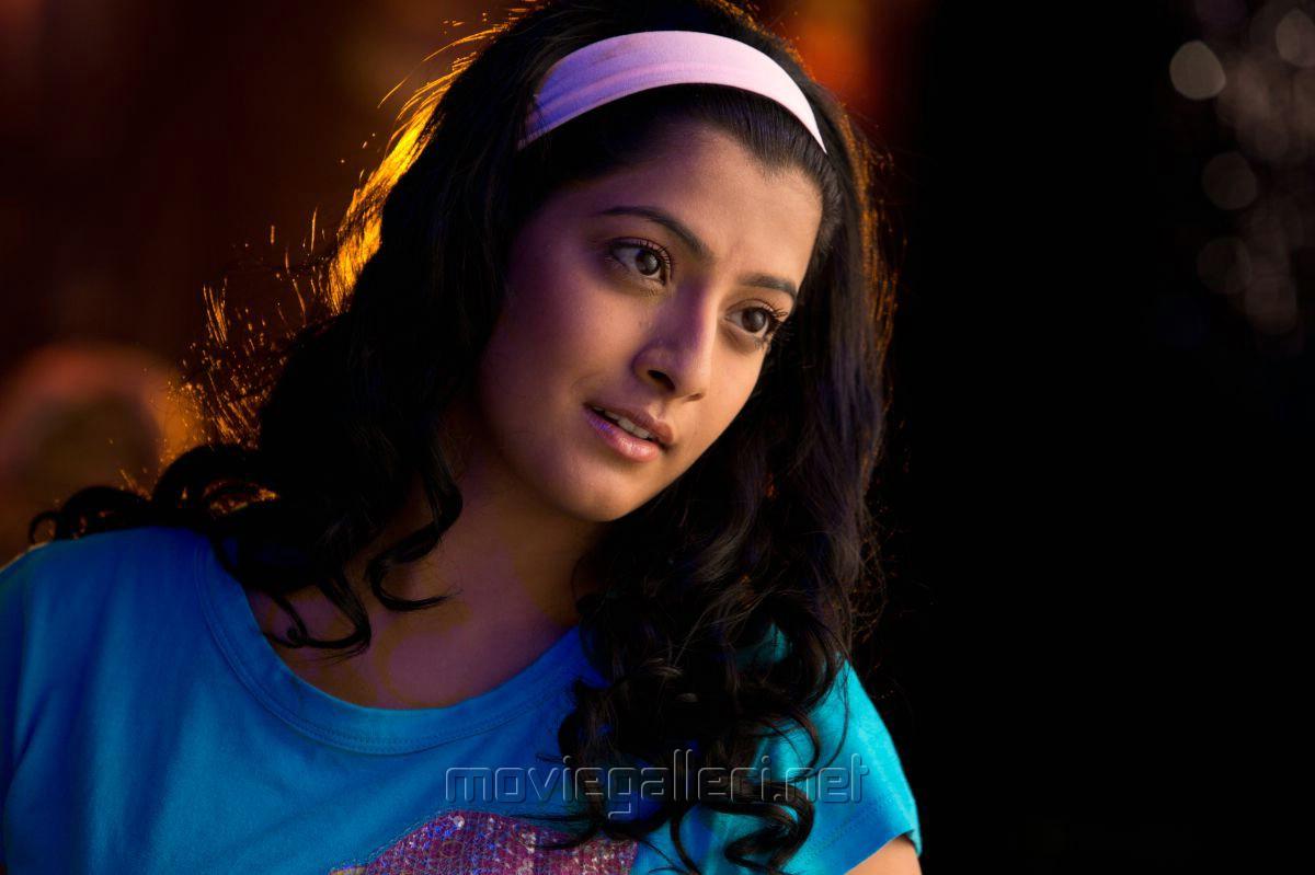Poda Podi Actress Varalakshmi Stills [ Gallery View ]