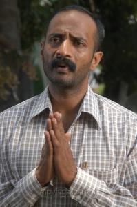 Actor Kishore in Ponmaalai Pozhudhu Photo Gallery