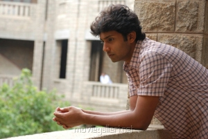 Actor Aadhav in Ponmaalai Pozhudhu Photo Gallery
