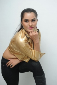 Telugu Actress Pooja Hot Photos @ 33 Prema Kathalu Audio Release
