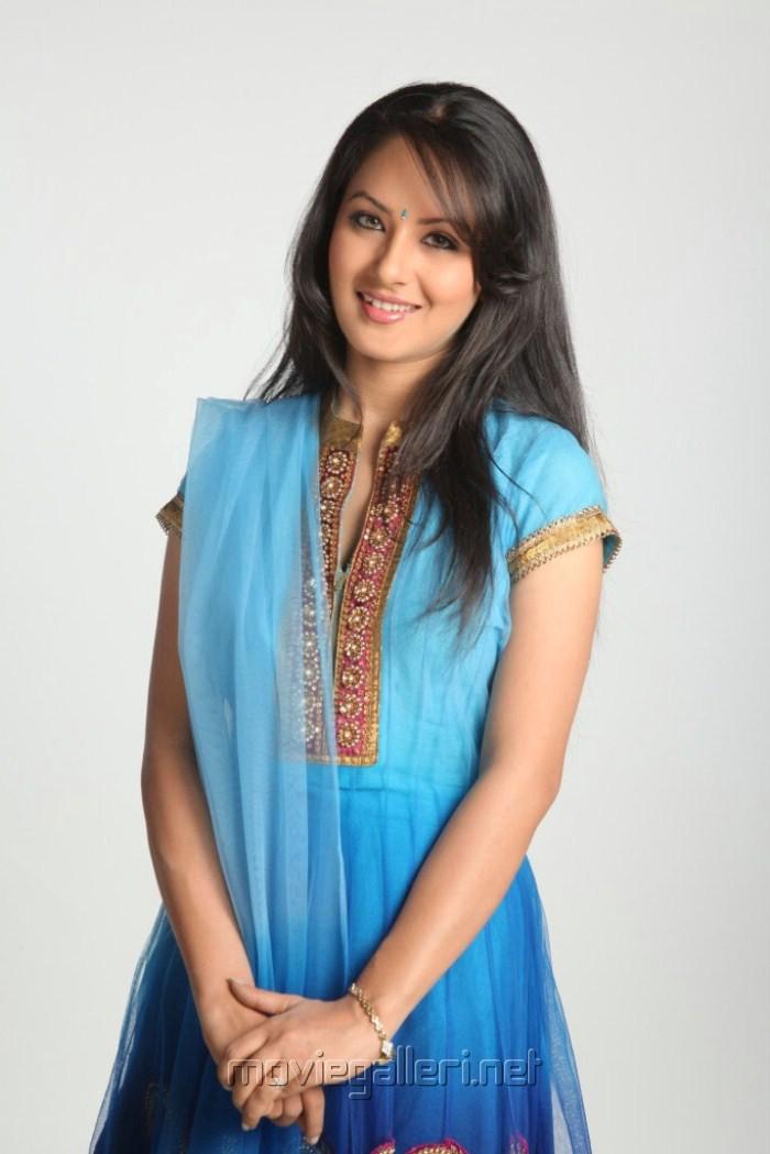 Picture 318916 Telugu Actress700