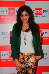 Pooja Chopra visits 92.7 BIG FM for Diwali 2013 special show