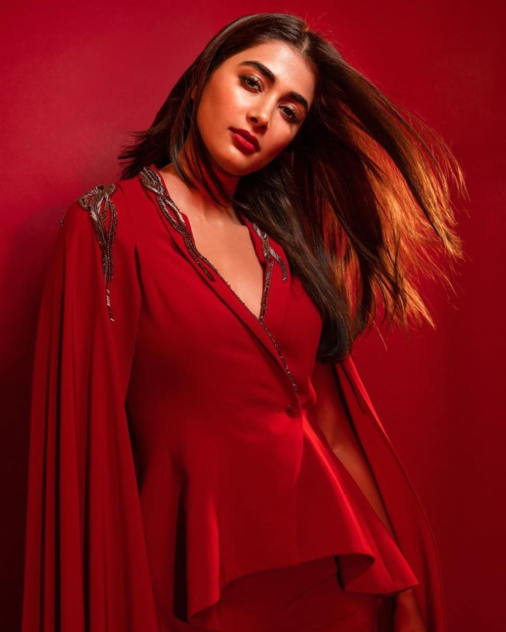 Telugu Actress Pooja Hegde New Photoshoot Pictures