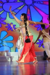 Pooja Kumar Dance at Uttama Villain Audio Launch Photos