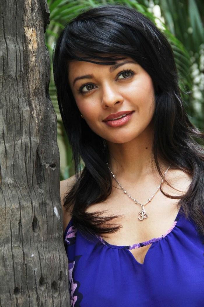 Tamil Actress Pooja Kumar Photos