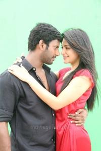 Vishal, Shruti Haasan in Poojai Movie Hot Stills