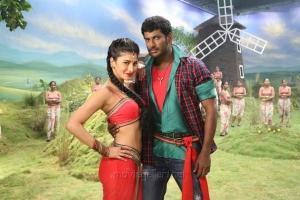 Shruti Haasan, Vishal in Poojai Movie Hot Stills