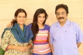 Janaki Sabesh, Shruti Hassan, Prathap Pothen in Poojai Movie Photos