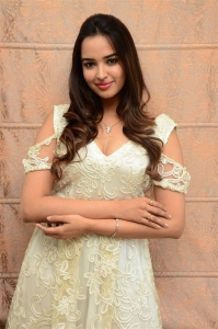Actress Poojitha Ponnada Pictures @ 7 Seven Movie Press Meet