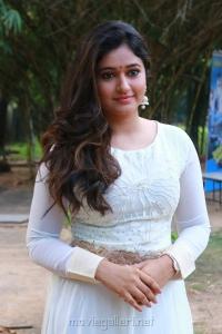 Muthina Kathirikai Heroine Poonam Bajwa in White Dress Photos