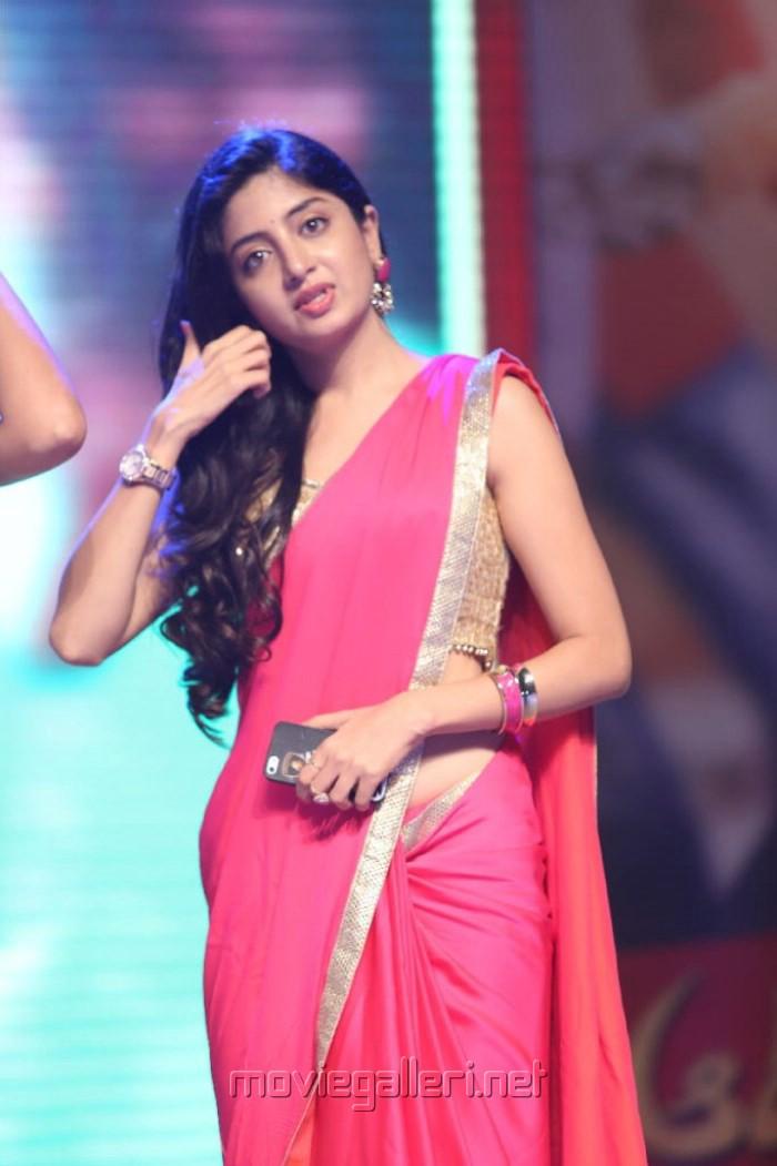 Poonam Kaur Hot In Saree Picture 594937 poonam kaur hot saree stills ...