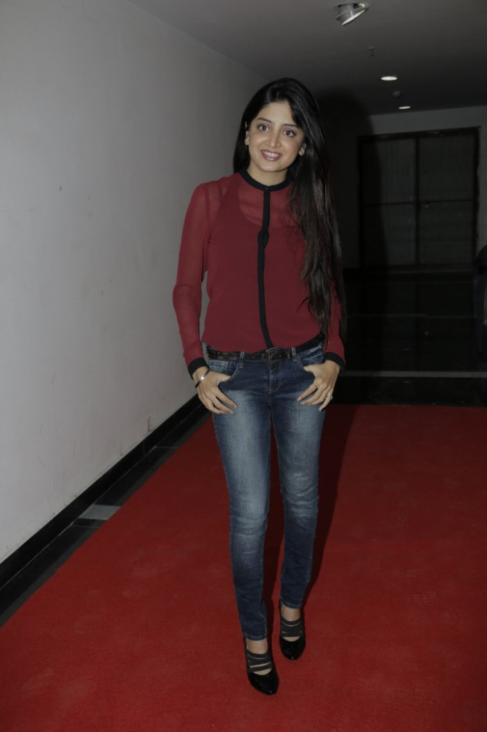 Beautiful Poonam Kaur Stills in Red T-Shirt & Tight Jeans